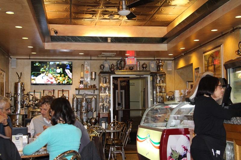 Caffe Vittoria 店内