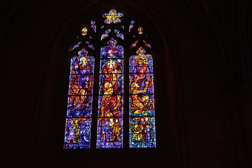 ワシントン国立大聖堂 ステンドグラス